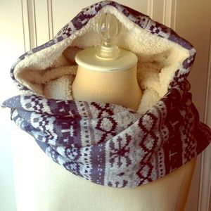 Accessories - Hooded Patterned Scarf with Fleece Lining